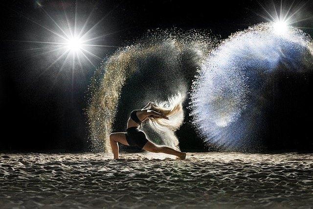 Danzatrice in controluce